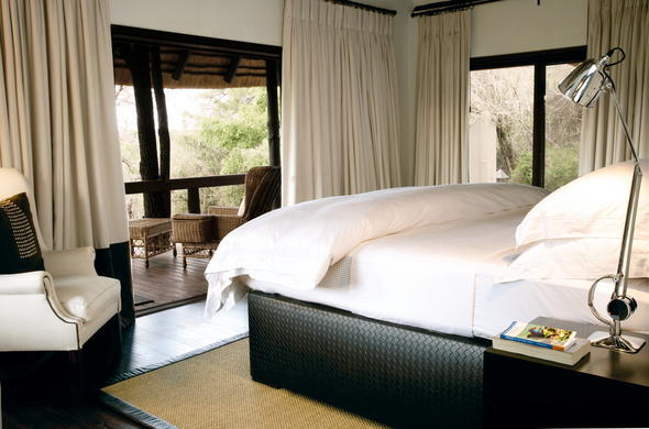 Londolozi Tree Camp offers comfortable accommodation.